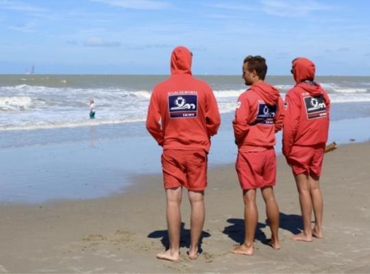 """Privégeld voor de strandredders is niet nieuw, """"maar het blijft de verantwoordelijkheid van de overheid om met centen te komen"""", klinkt het. FOTO: JVE"""